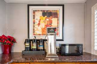 Americas Best Value Inn Richmond - Coffee and Tea available in Lobby