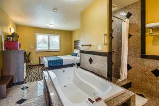 Americas Best Value Inn Richmond - Hot Tub Room in our remodeled King Bedroom
