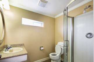 Americas Best Value Inn Richmond - Bathroom and camode at ABVI Richmond CA